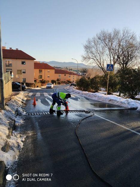 San Lorenzo recomienda a los vecinos limpiar sumideros, canalones e imbornales para evitar inundaciones