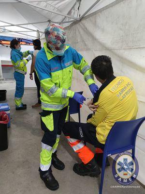 Comienza la vacunación contra el COVID19 de los sanitarios del SAMER-PC de Las Rozas