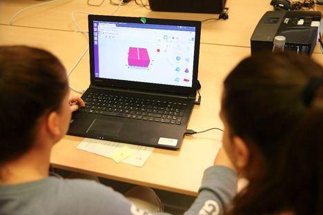 Las Rozas se une a la Olimpiada Informática Femenina, un concurso nacional para menores de 20 años