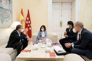 El alcalde de Majadahonda se reunió con la presidenta regional, Isabel Díaz Ayuso