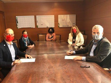 Torrelodones renueva el convenio de cesión de las Casas de los Maestros a Cruz Roja