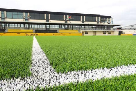 Galapagar inaugura el nuevo césped del campo de fútbol El Chopo