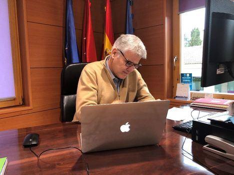 El alcalde de Torrelodones se reúne con el Consejero de Administración Local para desbloquear el parking de la Estación