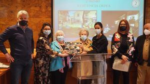 Torrelodones entrega los premios de sus concursos navideños y de la Ruta de la Hamburguesa