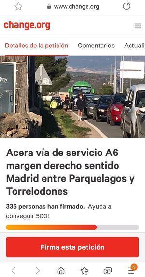 Recogida de firmas para pedir una acera que conecte Torrelodones y Parquelagos por la vía de servicio de la A-6