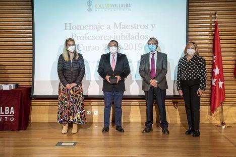 Collado Villalba rinde homenaje a los profesores jubilados durante los dos últimos cursos