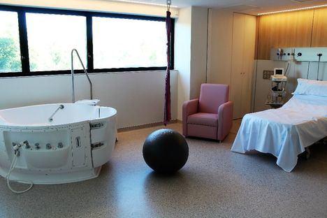 El Hospital Universitario General de Villalba incorpora la hidroterapia en el proceso del parto