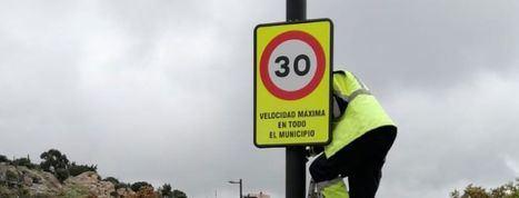 Hoyo de Manzanares se adelanta a la DGT e implementa ya el nuevo límite de velocidad a 30 kilómetros por hora en sus vías urbanas