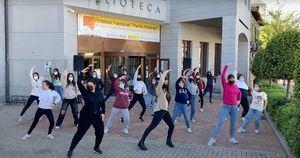 La Concejalía de Cultura de Galapagar y las alumnas de la Escuela Municipal celebran el Día de la Danza