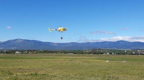 Collado Villalba presenta en sociedad su Plan de Actuación Municipal ante Incendios Forestales con una exhibición de helicópteros en la Dehesa Boyal