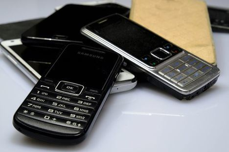 Los alumnos del Colegio El Encinar de Torrelodones recogen móviles viejos para reciclarlos y salvar la selva
