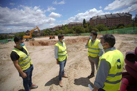 En tres meses estarán listas la nueva pista deportiva y el cierre del parque de La Vaguadilla, en Las Rozas