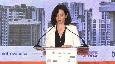 Díaz Ayuso anuncia la incorporación de grandes empresas al dispositivo de vacunación