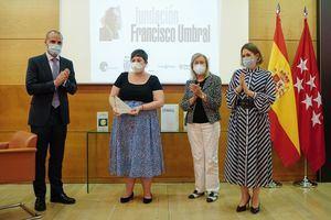 La escritora Elena Medel recoge el X Premio Francisco Umbral de novela