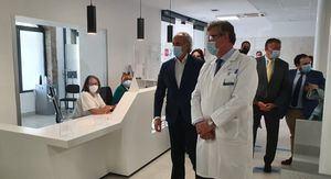 El consejero de Sanidad, Enrique Ruiz Escudero, visita las obras de remodelación del Hospital El Escorial