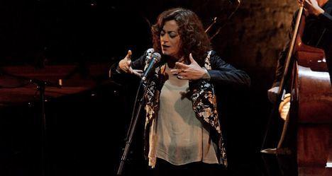 Carmen París actúa este sábado en Hoyo de Manzanares con 'En síntesis', un repaso a su carrera musical
