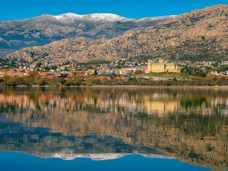 Manzanares el Real refuerza la vigilancia para evitar el baño en La Pedriza