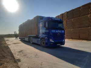 Los ganaderos de Guadarrama envían 36.000 kilos de paja a los afectados por el incendio de Ávila