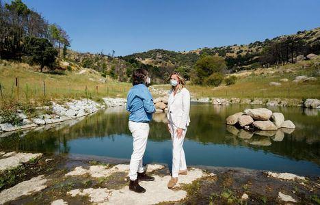 La Comunidad finaliza la restauración ecológica y paisajística de la antigua presa de La Alberca, en Cenicientos