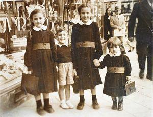 Una exposición para conocer cómo era la vuelta al cole de los madrileños el siglo pasado