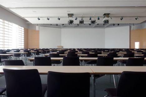 El Aula Abierta de Las Rozas ofrece talleres y cursos gratuitos de inglés, informática, telefonía o Arte