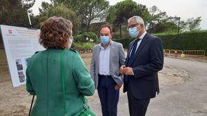 Carlos Izquierdo, consejero de Administración Local, visita en La Berzosa las obras de sustitución del alumbrado que se ejecutan a través del Plan PIR