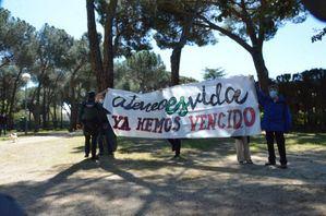2.400 euros de multa por desplegar una pancarta en un acto de Isabel Díaz Ayuso en Collado Villalba