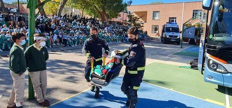 El Colegio Los Sauces de Torrelodones prueba los asientos salvavidas del sistema E-Rescue