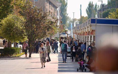 La Feria del Libro de la calle Real, plato fuerte la programación cultural de fin de semana en Las Rozas