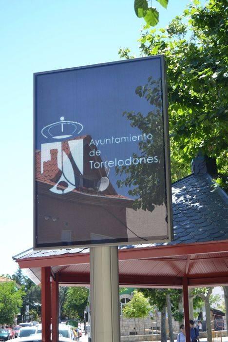 Se encienden los dos paneles electrónicos en Torrelodones
