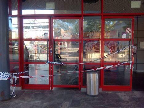 La puerta de entrada a Torrelodones, completamente vandalizada