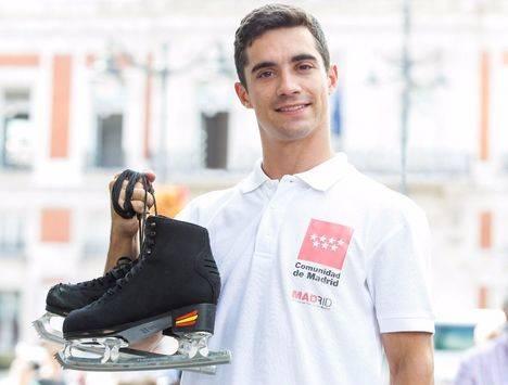 El patinador Javier Fernández, embajador turístico de Madrid en Japón
