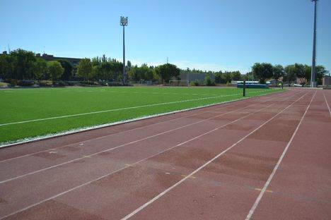 Césped artificial para el campo de fútbol de la Ciudad Deportiva