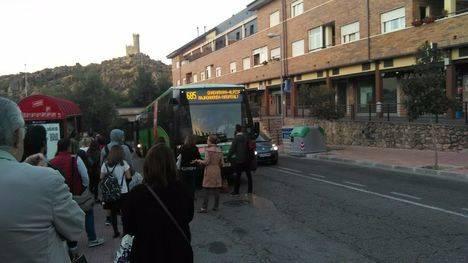 Motín en la parada de autobús en Torrelodones