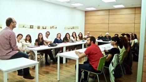 Los talleres de la Ricardo León se estrenan con más de 50 asistentes
