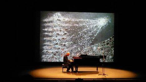 Diálogo de Lunas: la escultura que se hizo música
