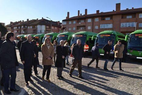 La Consejería de Transportes presenta 27 nuevos autobuses híbridos