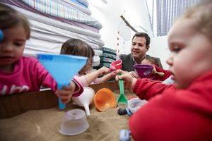 Cuatro escuelas infantiles formarán parte de la red pública de la CAM