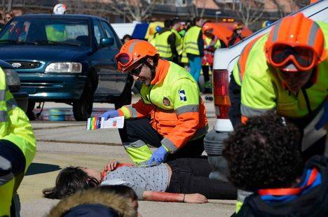 Simulacro de accidente para coordinar los servicios de emergencia