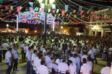 Hoyo celebra sus fiestas patronales en Honor a la Virgen de la Encina