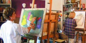 Cerámica, telares, fotografía digital, danza, manualidades, dibujo y pintura en la oferta de talleres