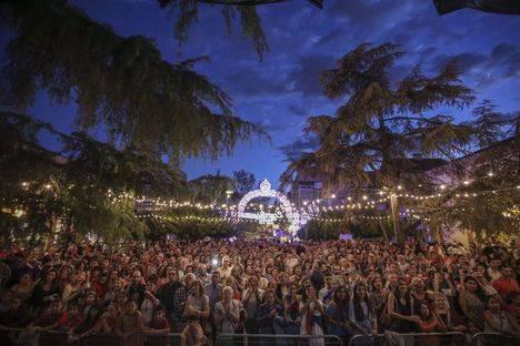 El pregón y el chupinazo abren oficialmente las Fiestas de San Miguel