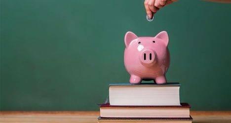 Galapagar reparte más de 300.000 euros en becas escolares.