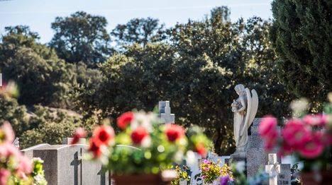 Ampliación del horario de los cementerios y actos religiosos en el tanatorio de Las Rozas