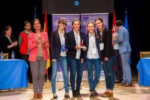 El IES El Burgo-Ignacio Echeverría gana el Torneo Municipal de Debate Escolar