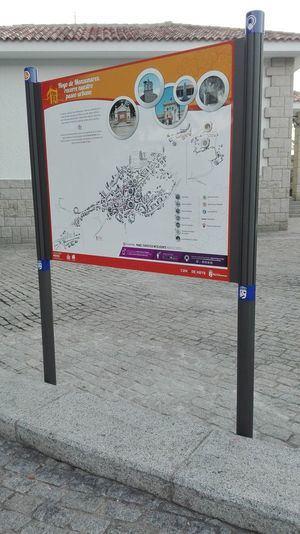 """Seis paneles turísticos """"inteligentes"""" para descubrir Hoyo de Manzanares"""