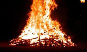 Fuego, música y chorizos caseros para celebrar San Sebastián