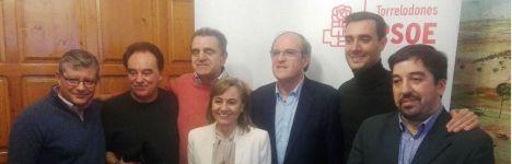 Ángel Gabilondo se reunió con medio centenar de militantes socialistas del Noroeste
