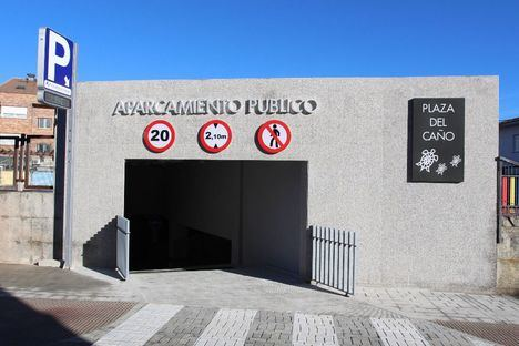 Abierto un nuevo acceso al aparcamiento público de la Plaza del Caño
