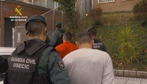 Cinco detenidos por cometer unos 200 robos en viviendas principalmente de la zona Noroeste
